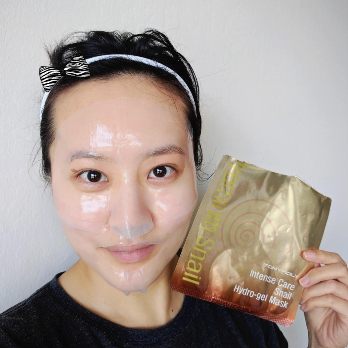 Review: Tony Moly Intense Care Snail Hydrogel Mask ★★★☆☆