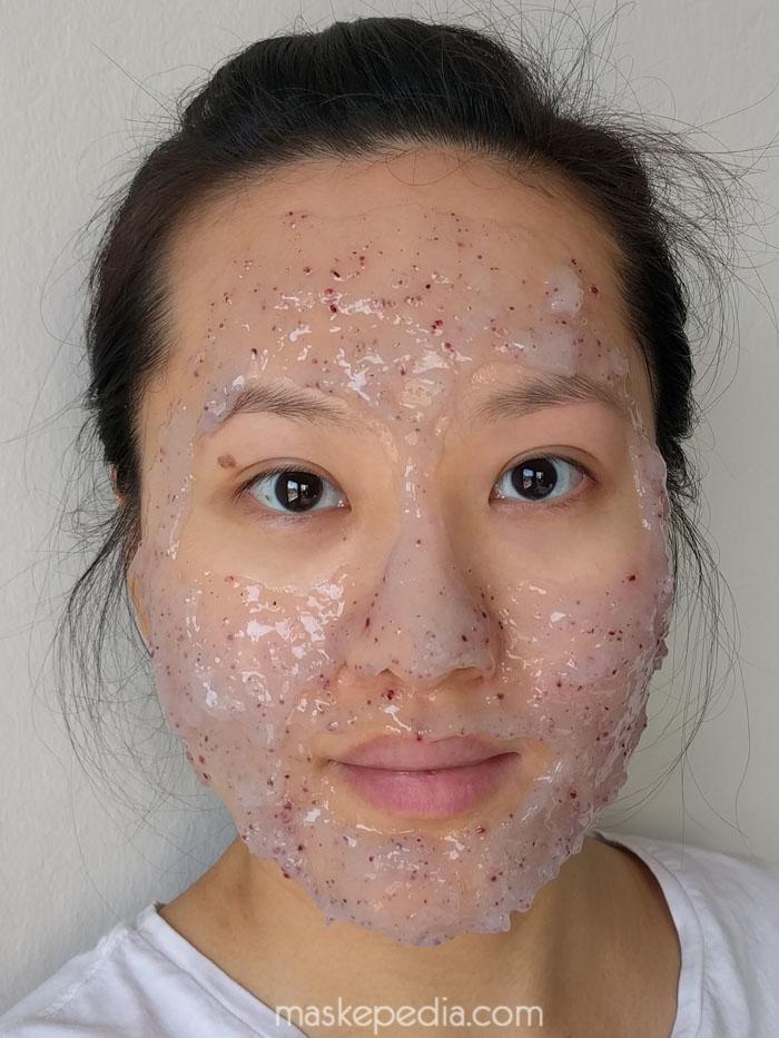 23 Years Old Aqua Bab Modeling Mask
