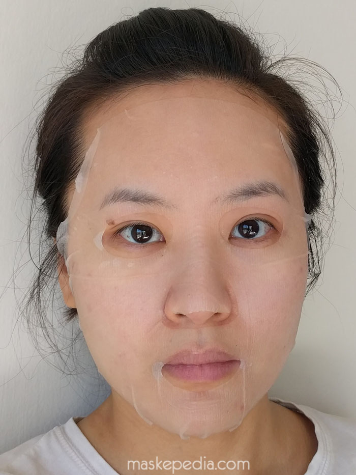 CNF Cosmetic Litchi with Iceland Glacial Water Brightening Face Mask